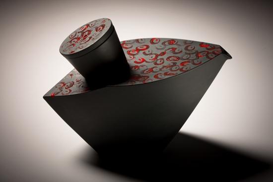 Le T rouge #66 (Sélection Grand Prix des métiers dart du Québec 2010)